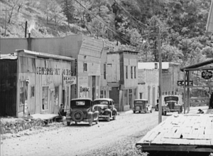Mogollon_NM_main_street_1940